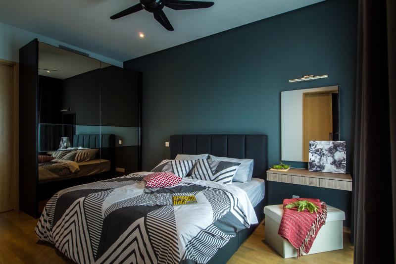 DC Residency - Classy Monochrome